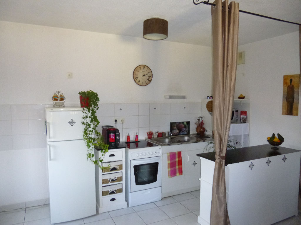 appartement 2 pi ces t2 vendre dax 40. Black Bedroom Furniture Sets. Home Design Ideas
