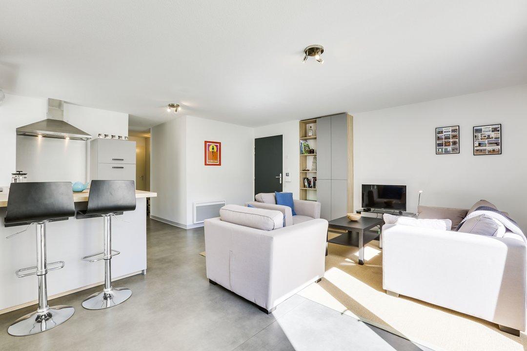 Location vacances appartement 5 personnes capbreton for Agence petit hossegor